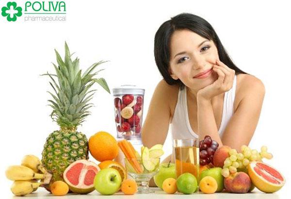 Nên bổ sung trái cây và uống nhiều nước trong kỳ đèn đỏ
