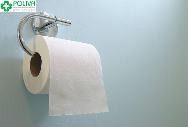 Dùng giấy vệ sinh không đảm bảo dễ gây viêm nhiễm