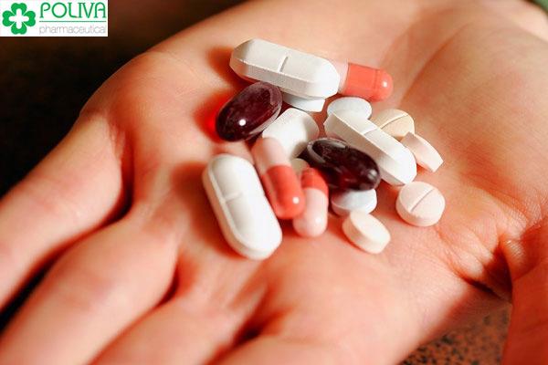Khi điều trị bệnh và đang uống thuốc kháng sinh, không nên có thai.
