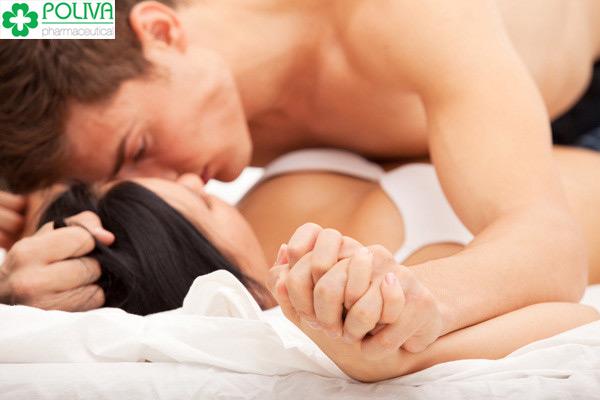 """Cố gắng """"yêu"""" trong ngày """"đèn đỏ"""" chỉ làm cơ thể bạn thêm mệt mỏi."""