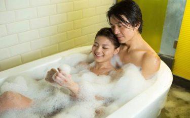 Làm tình trong nhà tắm và những lưu ý cần nhớ