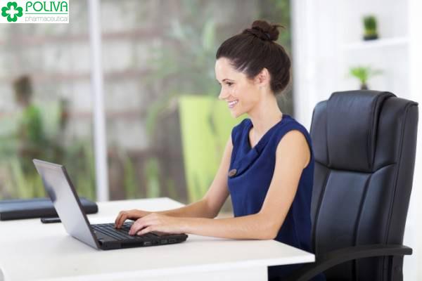 Phụ nữ văn phòng ngồi nhiều có nguy cơ xệ mông cao hơn
