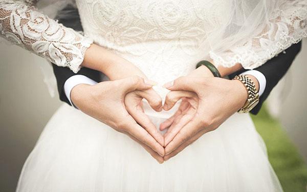 9 dấu hiệu chàng yêu bạn nghiêm túc, thật lòng như Romeo với Juliet