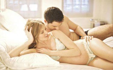 99% cặp đôi thắc mắc: Có nên quan hệ khi mang thai không?