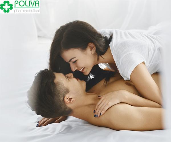 Nóng vội trong việc ái ân dễ gặp tình trạng quan he sau sinh bi ra mau
