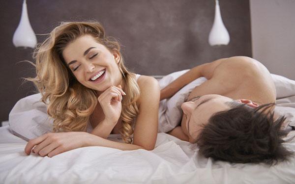 3 tư thế quan hệ sau sinh an toàn vợ chồng nên thử ngay!