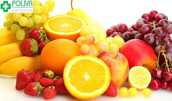 Hoa quả là nguồn dinh dưỡng dồi dào cung cấp vitamin cho mẹ và bé