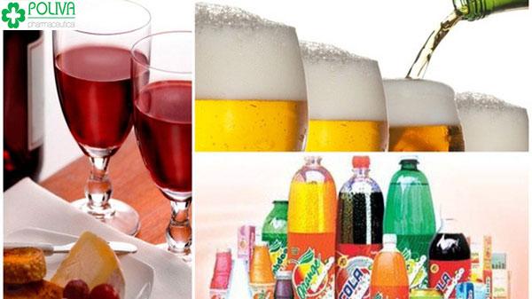 Rượu, bia là những đồ uống có cồn gây hại cho sức khỏe, mẹ cần nên tránh