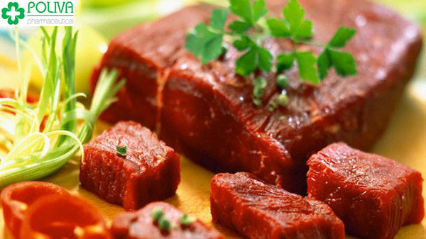 Thịt bò là loại thực phẩm mẹ sau sinh nên tránh