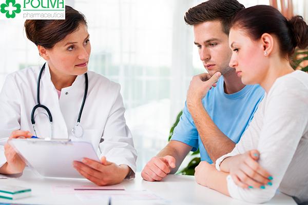 Mẹ bầu gặp bác sĩ để có lời khuyên tốt nhất cho bản thân mình