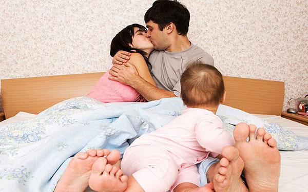 Quan hệ sau sinh thường: Bao lâu thì có thể, tư thế nào nên thử?