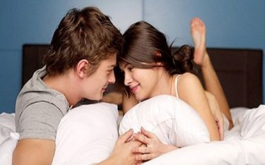 Cảnh báo: Kiêng quan hệ sau sinh nếu có 4 biểu hiện sau