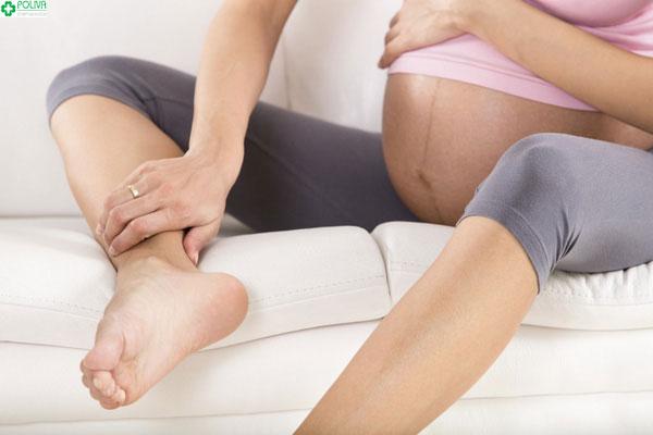 Phù chân khi mang thai không hề nguy hiểm như nhiều mẹ bầu suy nghĩ
