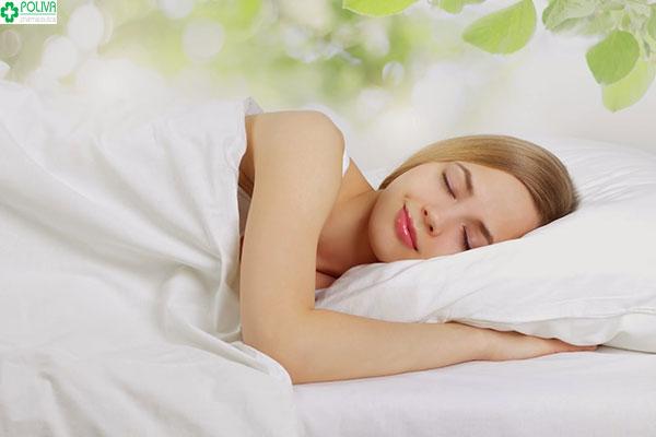 Điều chỉnh dáng ngủ giúp cho triệu chứng đau ngực khi mang thai giảm đi rất nhiều