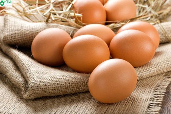 Phụ nữ sinh mổ chỉ nên ăn 1-2 quả trứng gà mỗi ngày là đủ