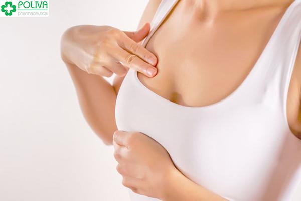 Massage ngực để cho con bú không còn một bên to một bên nhỏ.