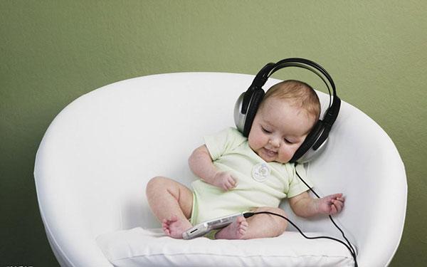 Chọn nhạc cho trẻ sơ sinh thông minh hơn không phải ai cũng biết