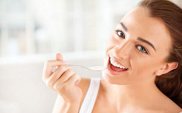 Giải đáp thắc mắc: Phụ nữ sau sinh có được ăn sữa chua không?