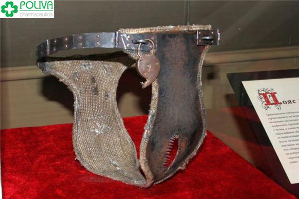 Kiểu dáng khóa trinh tiết thời xưa