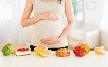 """Mẹ bầu bị ốm nghén nên ăn gì """"xóa tan"""" cơn nghén thai?"""