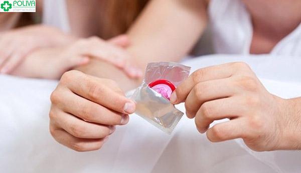 Mới sinh, phụ nữ nên lựa chọn phương pháp tránh thai là dùng bao cao su thay vì uống viên khẩn cấp