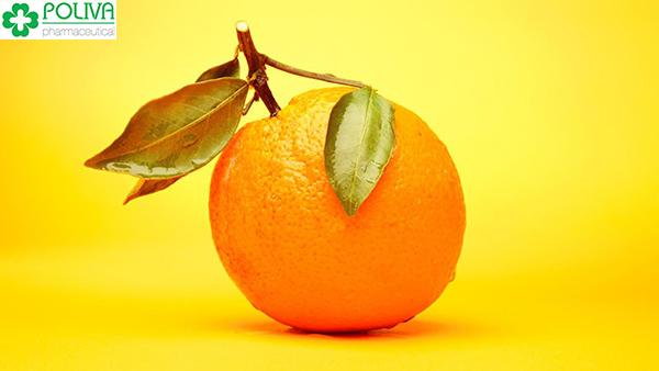 Họ nhà cam, quýt cũng là loại trái cây nhiều chuyên gia dinh dưỡng gợi ý cho mẹ sau sinh.