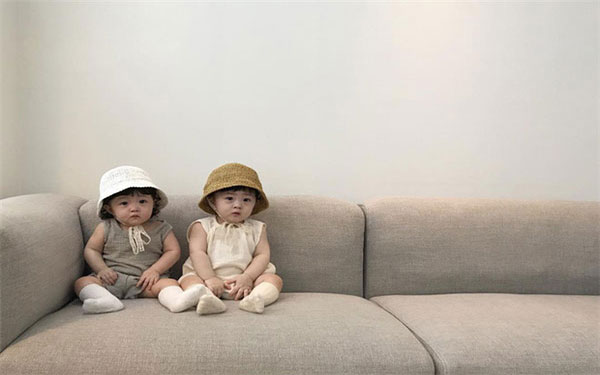 Những điều bí ẩn về câu chuyện sinh đôi 1 trai 1 gái
