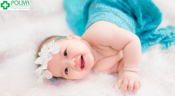 Sau khi tắm hằng ngày, các bé có giấc ngủ ngon và khỏe mạnh hơn.