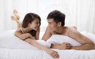 Quan hệ lần đầu có thai không? Có nên dùng bao cao su không?