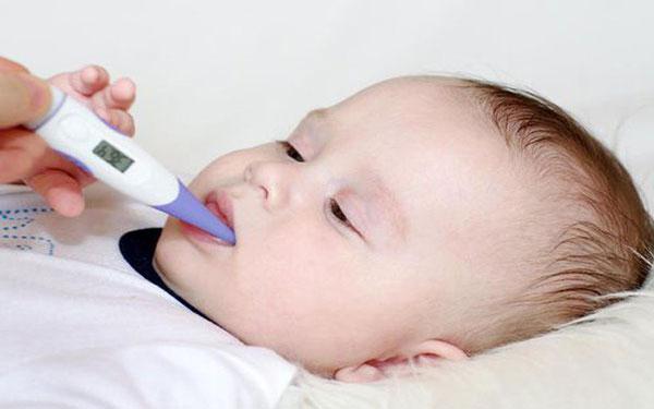 Trẻ bị sốt nên ăn cháo gì để nhanh hạ nhiệt, bố mẹ hết lo?