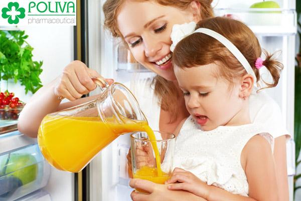 Nên chọn những thực phẩm tốt với trẻ bị sốt virus.