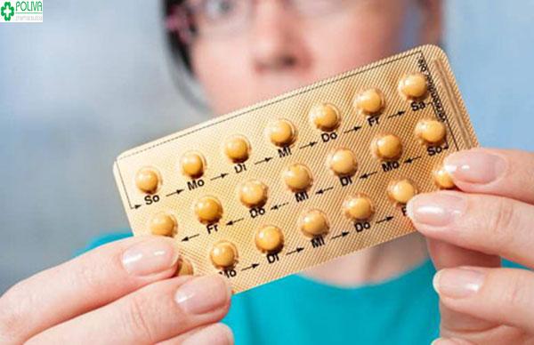 Uống thuốc tránh thai hàng ngày đúng giờ giúp các mẹ tránh mang thai ngoài ý muốn, tránh nhiều bệnh lý khác nhau