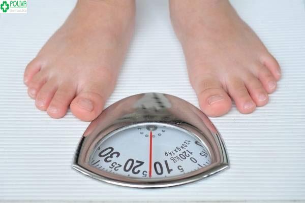 Uống thuốc tránh thai hàng ngày có thể gây tác dụng phụ tăng cân không kiểm soát cho mẹ
