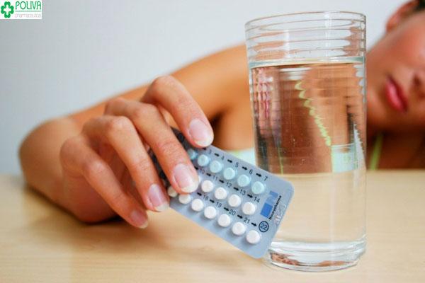 Uống thuốc tránh thai hàng ngày có hại không, có triệt sản không?