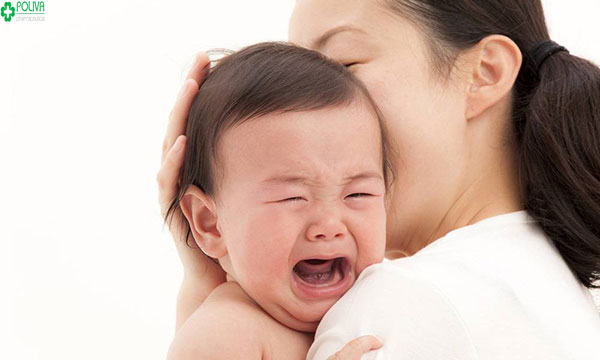 Các tác nhân gây hại cho cơ thể khiến trẻ bị sốt nhưng chân tay lạnh