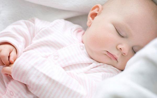 Những điều mẹ nên biết về giấc ngủ của trẻ sơ sinh