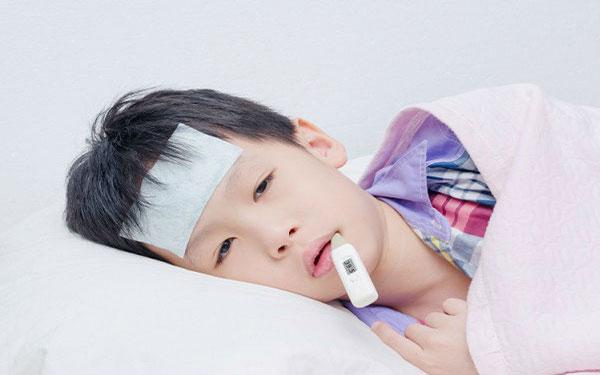 Sốt siêu vi là gì? Trẻ bị sốt siêu vi nên ăn gì để giảm sốt?