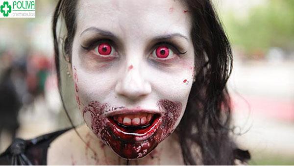 Kinh dị với kiểu hóa trang đầy máu me rất đậm chất Halloween