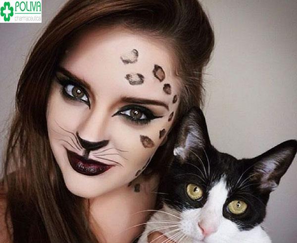 Cá tính với kiểu makeup mèo đen dành cho lễ hội Halloween
