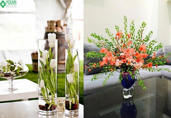 Căn phòng đẹp, sinh động hơn với sự góp mặt của những lọ hoa tươi