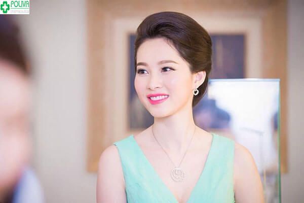 Hoa hậu Thu Thảo sang trọng và vô cùng thanh lịch