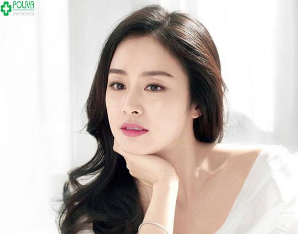 Kim Te Hye thoát tục với kiểu trnag điểm công chúa kết hợp với mái tóc bồng bềnh