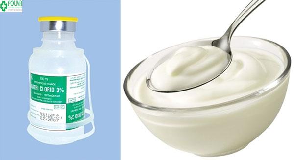 Rửa mặt bằng nước muối kết hợp với sữa chua giúp da sáng đều, hồng hào và sạch mụn