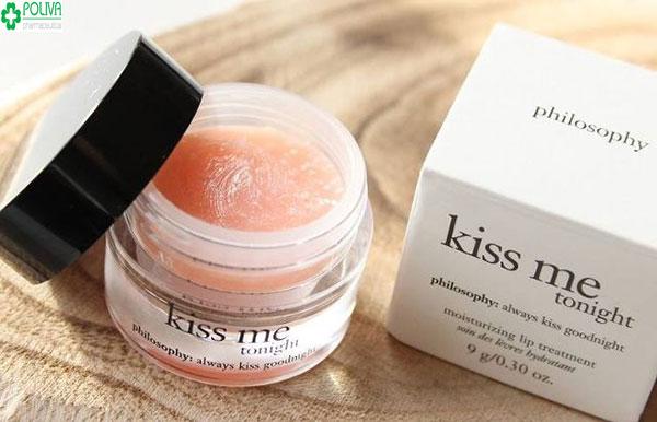 Son dưỡng môi Philosophy Kiss Me Tonight được rất nhiều bạn gái review son dưỡng môi tốt hiện nay