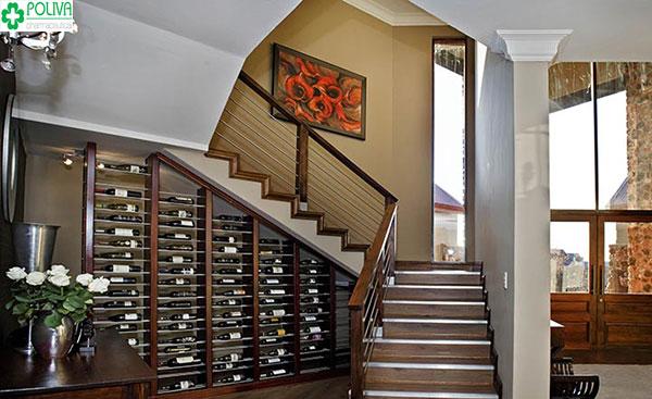 Tủ đựng rượu cách tận dụng gầm cầu thang thông minh