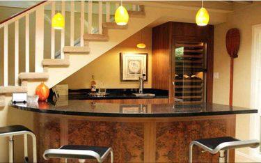 Tận dụng gầm cầu thang làm tủ bằng 4 mẹo đơn giản