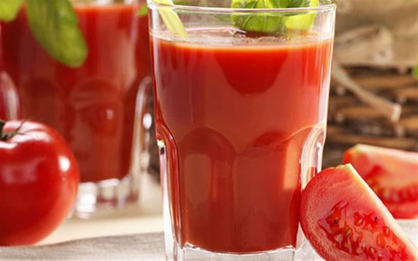 Cách làm nước ép cà chua cho da sáng mịn, đơn giản dễ làm