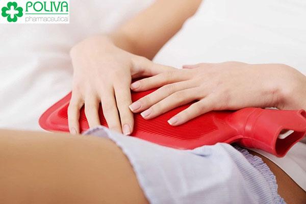 Chườm nóng vùng bụng dưới - cách hết đau bụng kinh nhanh nhất