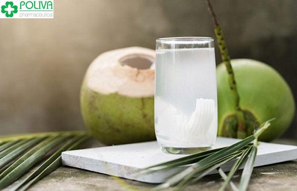 Đau bụng kinh uống nước dừa là vô cùng an toàn