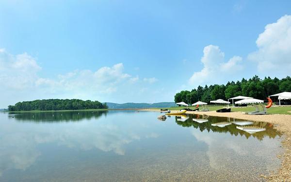 Hồ Đại Lải Vĩnh Phúc – Địa điểm ăn chơi gần Hà Nội không thể bỏ lỡ